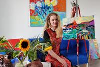 Українці Королівства Нідерландів організували благодійний аукціон митців, щоб підтримати школи