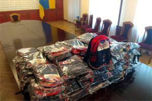 Івано-Франківська область одержала соціальну допомогу для школярів від української громади та норвезької гуманітарної організації
